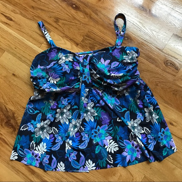 Swimsuits For All Other - NWT Swimsuits For All floral tankini top swim 30